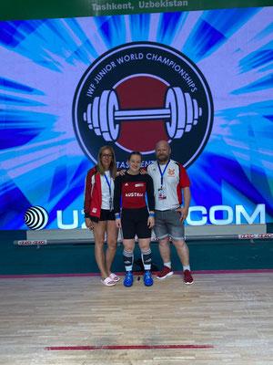 Vici mit den stolzen Eltern Sabine und Harald