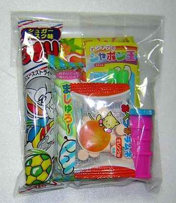 駄菓子詰め合わせ玩具入り 100円