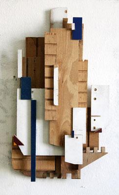 RMXS11 - Fundholz Assemblage, Sprühlack - 38 x 22 x 7 cm - 2015
