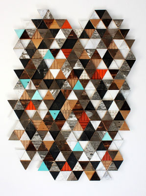 Entgegensatzt 1 - Fundholz-Assemblage, Sprühlack, Tapete - 140 x 100 x 4 cm - 2013