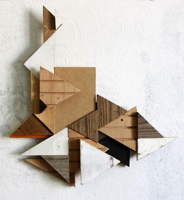 RMXS 04 - Fundholz Assemblage, Sprühlack - 35 x 32 x 4 cm - 2015