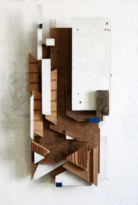 RMXS 09 - Fundholz Assemblage, Sprühlack - 41 x 20 x 8 cm - 2015