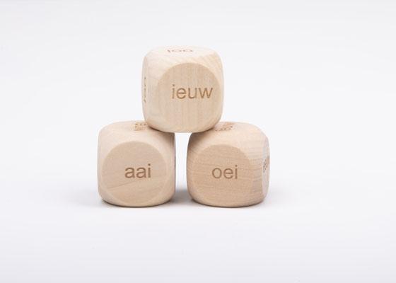 Dobbelsteen spelling - spellingscategorie eeuw, ieuw, aai, ooi, oei, uw