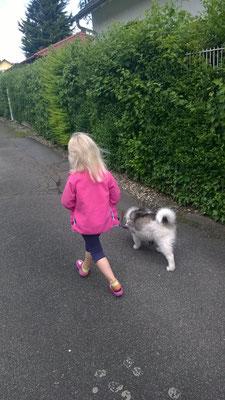 Emilia mit Mimifrauchen