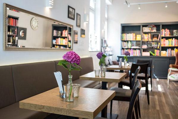 Buchhandlung im Literaturhaus Herne Ruhr                                    I                               Zusammenarbeit: Hörstke