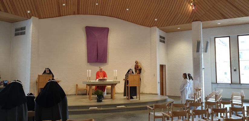 Heilige Messe mit den Schwestern
