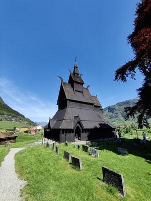Eine der ältesten Stabkirchen Norwegens in Vik