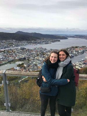 Blick auf Bergen mit Paulina