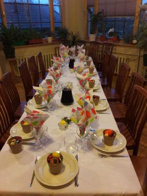 Im Anschluss an die Auferstehungsfeier gab es ein großes Festmahl.