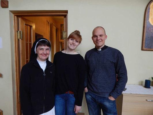 Radiocrew - Sr. Tereze, Anna Lena und Priester Peteris Skudra