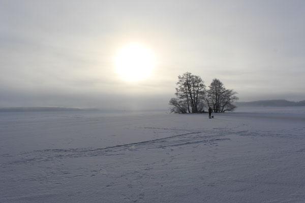 Zugefrorener Mälarensee in Sigtuna