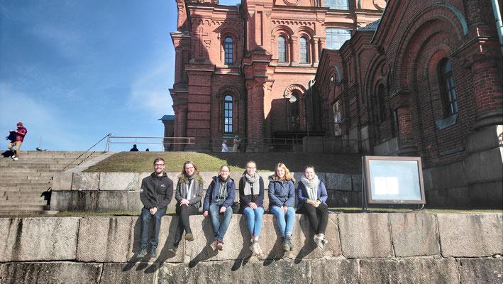 Praktikant*innen beim Ausflug nach Helsinki