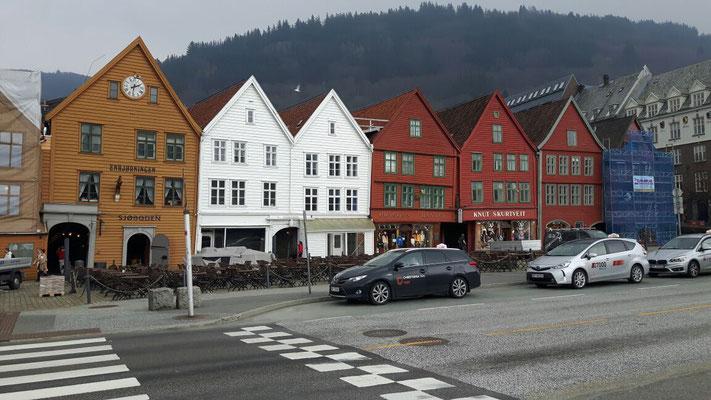 Die typischen Häuser am Hafen von Bergen
