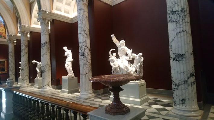 im Nationalmuseum mit der Caritas