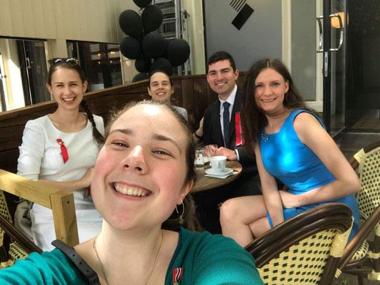 Mit Freunden den 17. Mai (Nationaltag) feiern