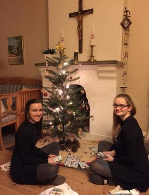 Lioba Dietz und Maria Korten feiern Weihnachten im Gästeheim