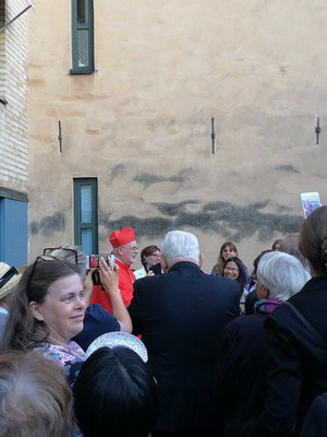Der schwedische Kardinal Anders Arborelius nach der Dankmesse in Stockholm
