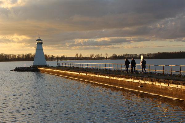 Sonnenuntergang am Leuchtturm von Vadstena