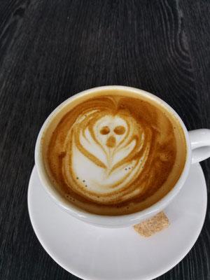 Der Schrei von Edward Munch als Kaffeeschaum.