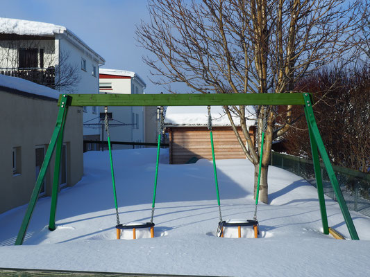 Schaukeln im Schnee