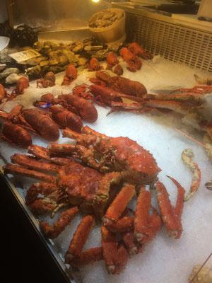 Krebse auf dem Fischmarkt in Bergen