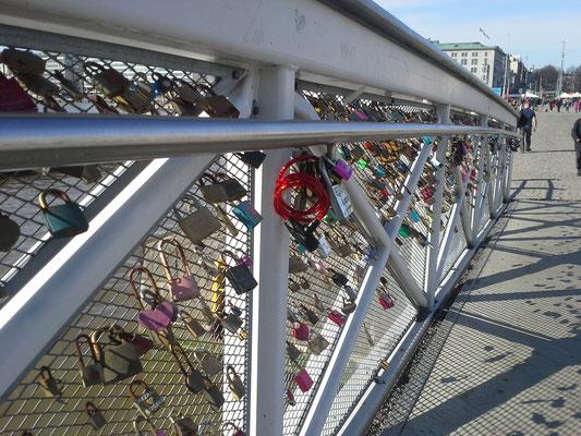 Liebesschlösser in Helsinki