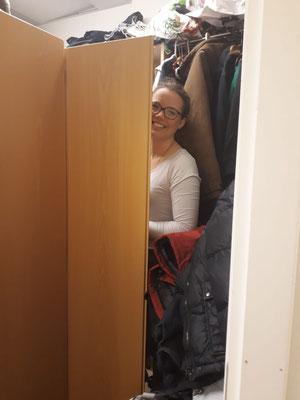 In der Kleiderkammer der Caritas