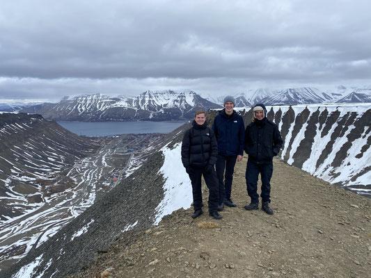 Tims letzte Wanderung auf Spitzbergen mit einem Guide auf den Berg Sarkofagen