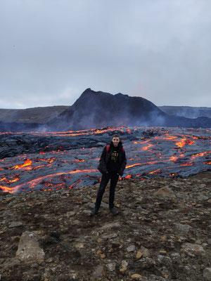 Ich vor dem Vulkan
