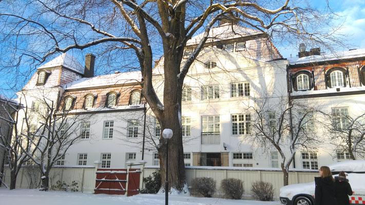 Das Newmaninstitut im Winterkleid