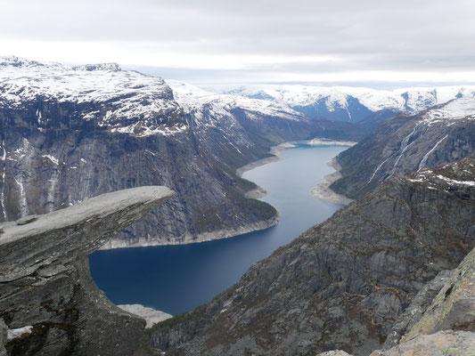 Blick von Trolltunga, Tim findet: Diese Wanderung sollte jeder Praktikant in Bergen machen!