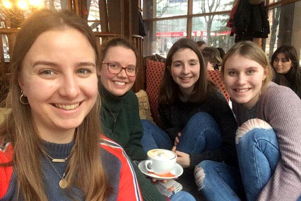 Schwedinnen in Riga: Anna Maria, Catalina, Madleine und Emelie