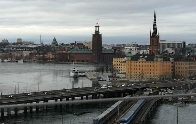 Ausblick auf das Stadshuset (links) vom Katarinahissen