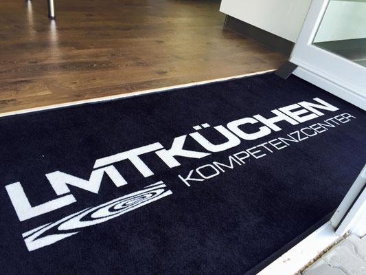 Erstellung von Fußmatten mit Logo für LMT Küchen