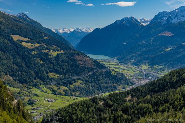 Vom Gletschergarten Cavaglia aus Richtung Lago di Poschiavo
