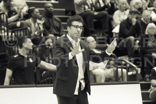 Headcoach Hamed Attarbashi