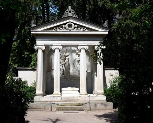 Grabmal Karl May Friedhof Radebeul-Ost Bild: Susann Wuschko