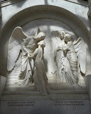 Grabmal Karl May von Selmar Werner Bild: Susann Wuschko