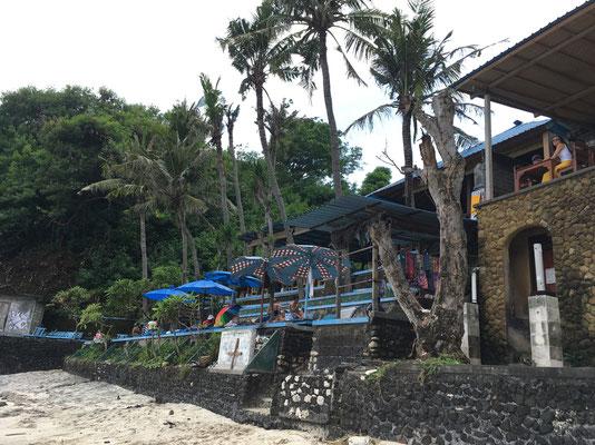 blue-lagoon-beach-warungs