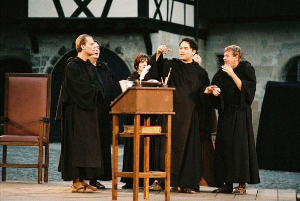 Stück: Der Name der Rose, E.T.A. Hoffmann Theater