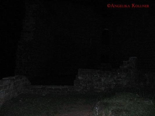Burg #Hohenecken, die Location unserer Paranormal-Untersuchung, bei Nacht. #Ghosthunters #paranormal