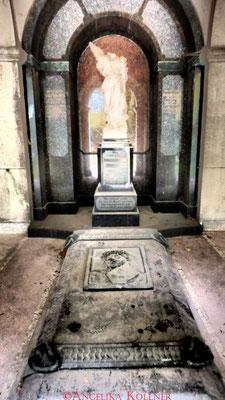 6 #Hauptfriedhof #Frankfurt #Gruftenhalle #Ghosthunters