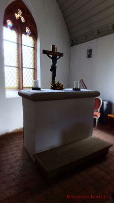 Altar vor dem Fenster, Innenraum der Kapelle. #Frankenstein #ghosthunters #paranormal
