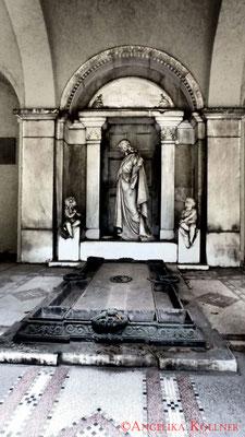 12 #Hauptfriedhof #Frankfurt #Gruftenhalle #Ghosthunters