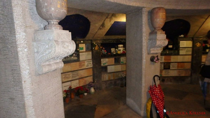 2. Eindrücke von der Urnenmauer im Mausoleum. #Mausoleum #Hauptfriedhof #Frankfurt #Ghosthunters