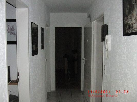 Im Zimmer gegenüber wurden rote Lichter gesehen und im Flur kam es zu Unwohlsein.  #paranormal #ghosthunter #ghost #spuk