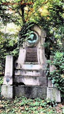 16 #Hauptfriedhof #Frankfurt #Grabstein #Grabmal #Ghosthunters