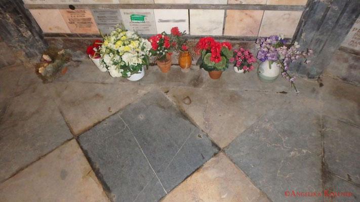 3. Eindrücke von der Urnenmauer im Mausoleum. #Mausoleum #Hauptfriedhof #Frankfurt #Ghosthunters