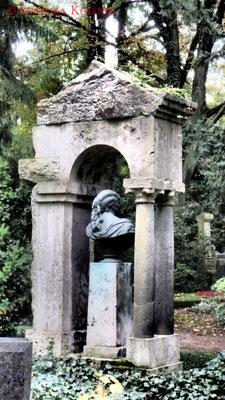 12 #Hauptfriedhof #Frankfurt #Grabstein #Grabmal #Ghosthunters