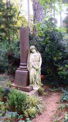 8 #Hauptfriedhof #Frankfurt #Grabstein #Grabmal #Ghosthunters